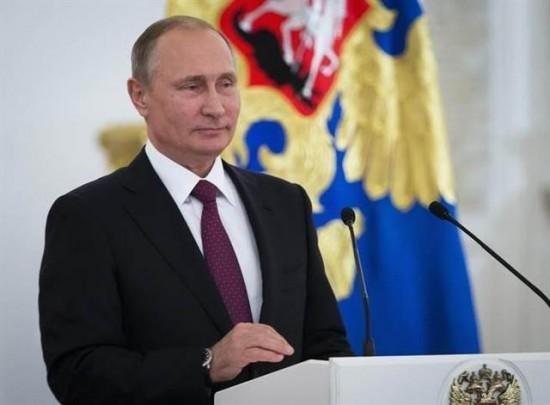 俄罗斯总统普京声明,政府将拨款24亿美元奖励俄罗斯妇女养育下一代